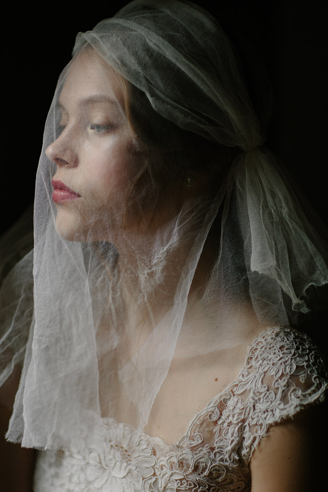 WHITE MULBERRY BRIDAL SILK CAGE VEIL