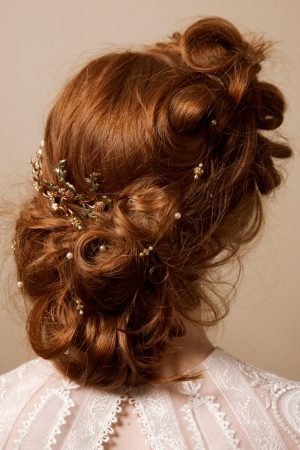 HIDDEN TREASURE STRING OF JEWELS HAIR ACCESSORY