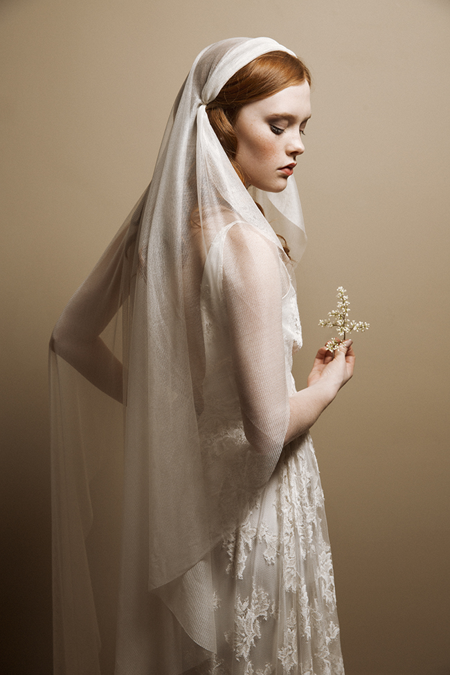 DAINTY DELIGHT SILK JULIET BRIDAL VEIL