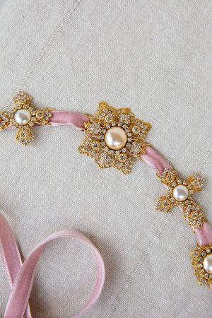 LOVE CHARM JEWELED FILIGREE ORNAMENT HEADBAND